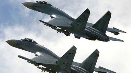 Летчики ЗВО выполнили принудительную посадку условного самолета-нарушителя на аэродром Бесовец