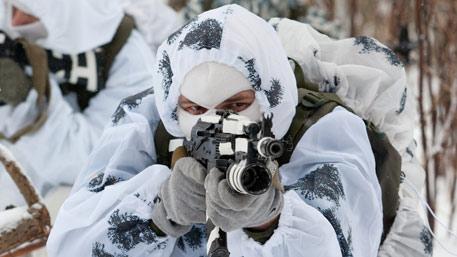 Арктические стрелки: броня из снега и иглу за час