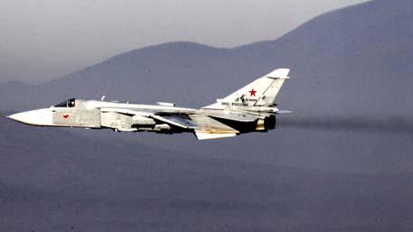 Новые подробности операции в Черном море: Су-24 заставили эсминец НАТО бежать в нейтральные воды