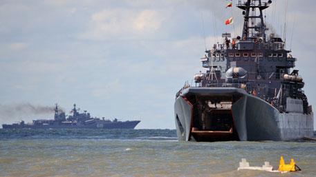 НАТО замер в ужасе: куда высадят танки новейшие российские корабли