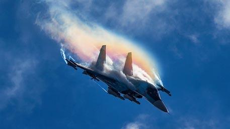 Атакует ЭМИ: на что будет способен самолет 6-го поколения с электромагнитной пушкой