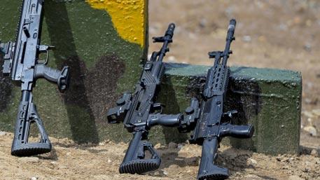 Идеальное оружие: как «дает огня» пулемет Калашникова