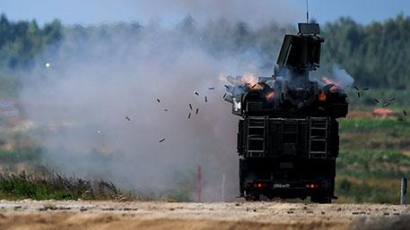 Военнослужащие ЮВО под прикрытием ЗРПК «Панцирь-С» отразили атаки авиации «противника»