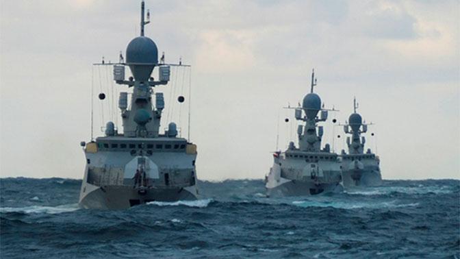 Более 20 кораблей Каспийской флотилии подняты по тревоге