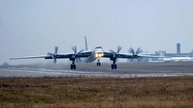 Ракетоносцы Ту-95МС и два Ил-76МД ВКС РФ прибыли в Индонезию
