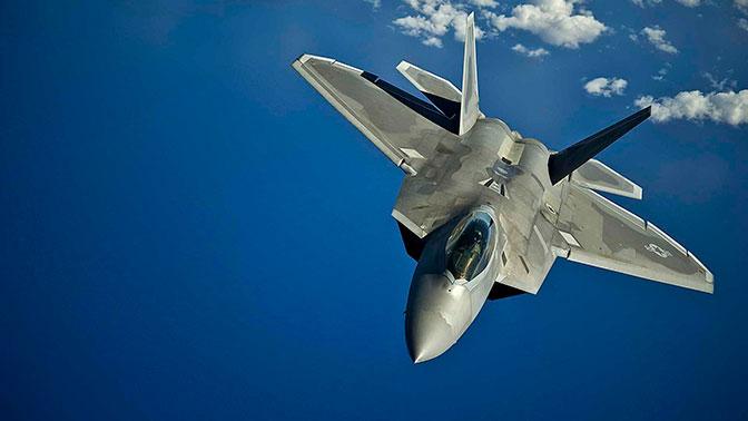 Американский F-22 «сбежал» от Су-35C ВКС РФ в Сирии