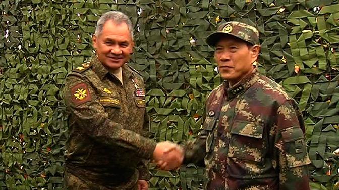 Министры обороны РФ и КНР проверили командные пункты маневров «Восток-2018»
