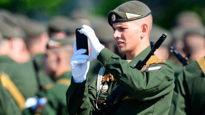 Запретить военным писать в Интернете о своей службе намерены в Госдуме