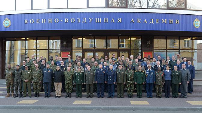 Военные атташе из более чем 50 стран посетили учебно-научный центр ВВС в Воронеже