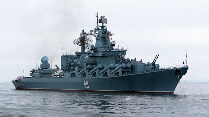 Ракетный крейсер «Варяг» провел маневры с кораблями ВМС Брунея в Южно-Китайском море