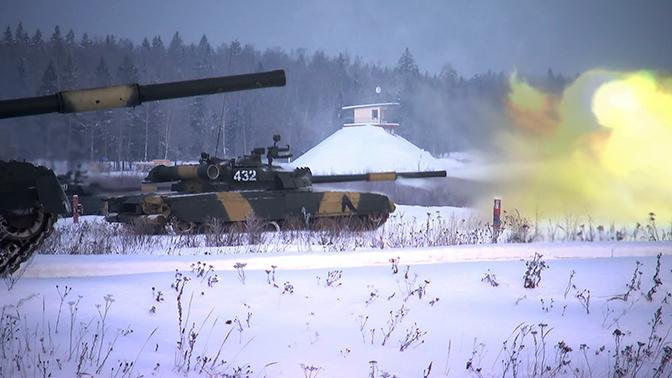 «Танки Ла-Манша» ведут огонь: кадры подготовки танкистов ЗВО к АрМИ-2019