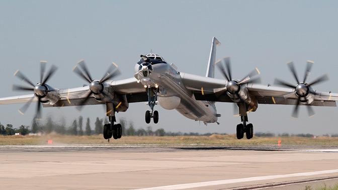 В спасательной операции в районе крушения Су-34 задействован противолодочный Ту-142