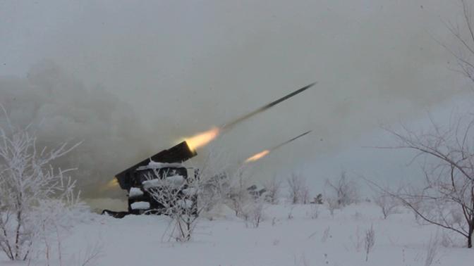 И ударил «Град»: яркие кадры массированного огня артиллерии
