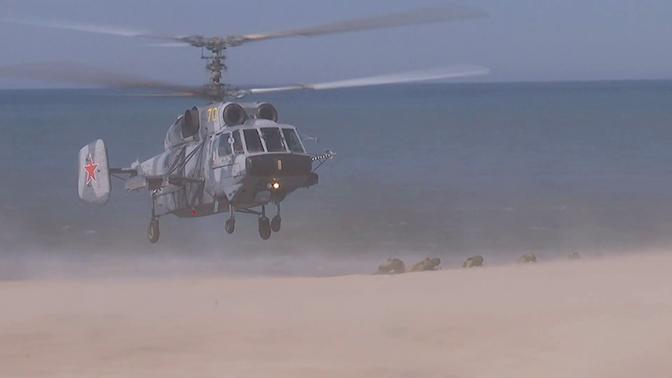 С воздуха и с моря: десант Балтфлота «захватил» побережье в ходе масштабных учений