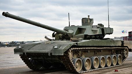 Армия получит первые 100 танков «Армата» до 2018 года - Халитов