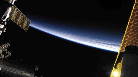 Космические «цветы с глазами»: российские спутники могут отследить даже мяч