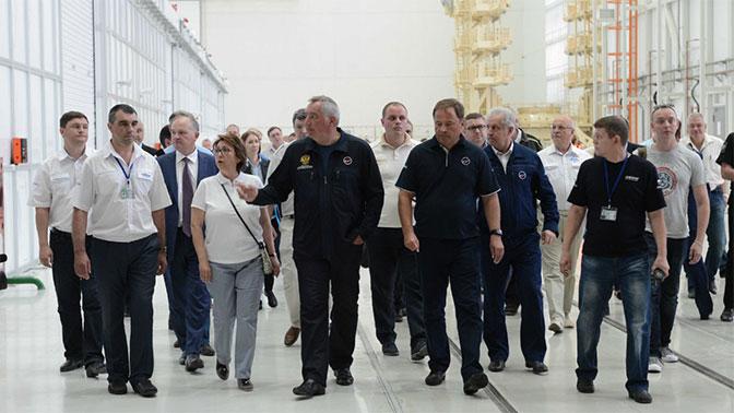 Финансирование создания новой сверхтяжелой ракеты РФ начнется в 2018 году - Рогозин