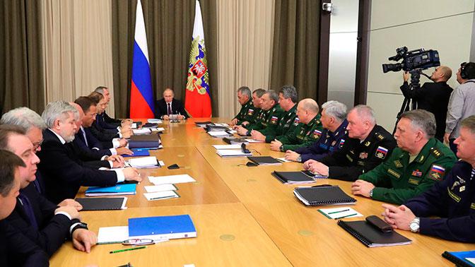 Владимир Путин проведет серию совещаний по оборонной тематике