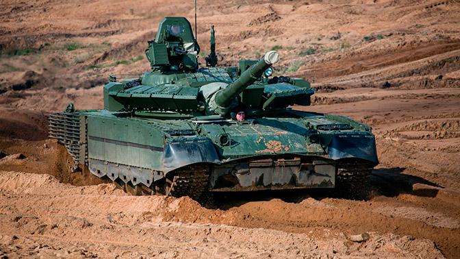 Танки Т-80БВМ заменили Т-72 в танковом батальоне Северного флота