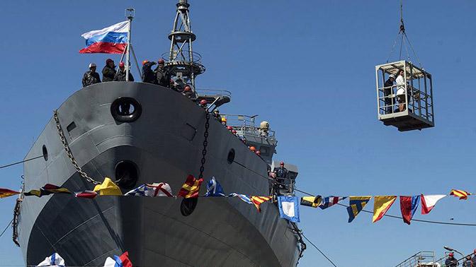 ВМФ России передано судно связи «Иван Хурс»