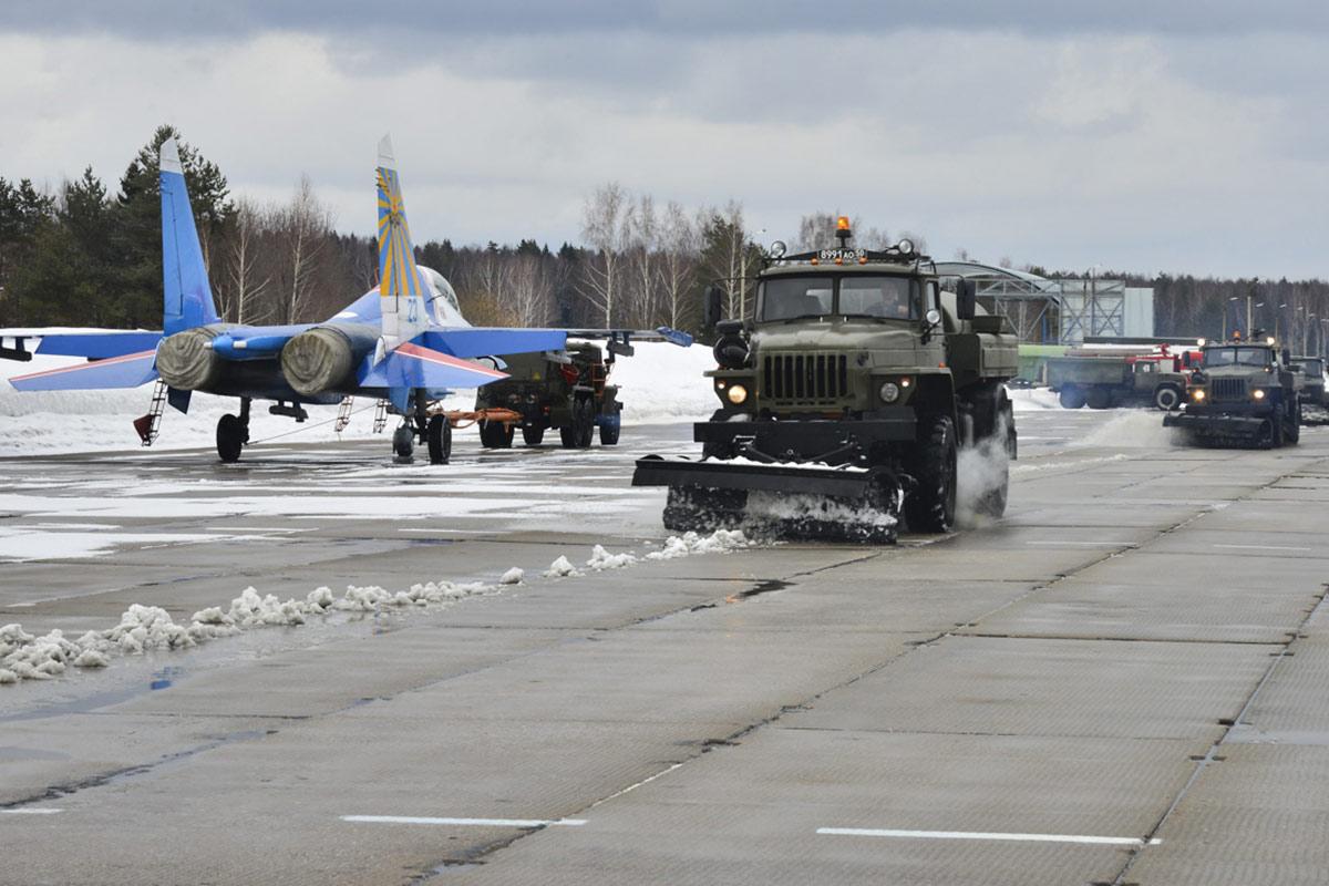 Удар стального «Стрижа»: летчики пилотажной группы ВКС из Кубинки отработали защиту воздушных рубежей