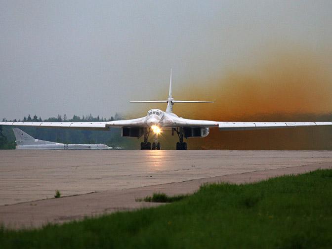 Длинная рука дальней авиации: стратегические бомбардировщики России