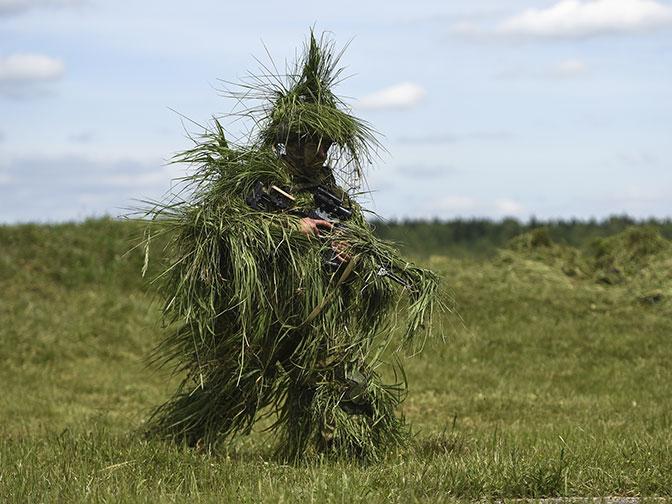 Незаметнее тени: на полигоне Головеньки прошли учения снайперов