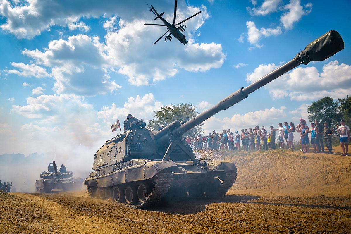 «АРМИ», парады и запуски «Искандеров» - чем запомнился 2018 год