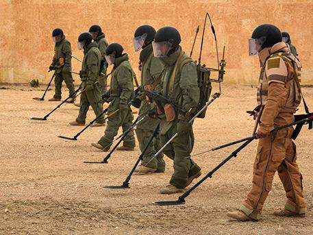 Ликвидаторы эха войны: как оснащены российские саперы