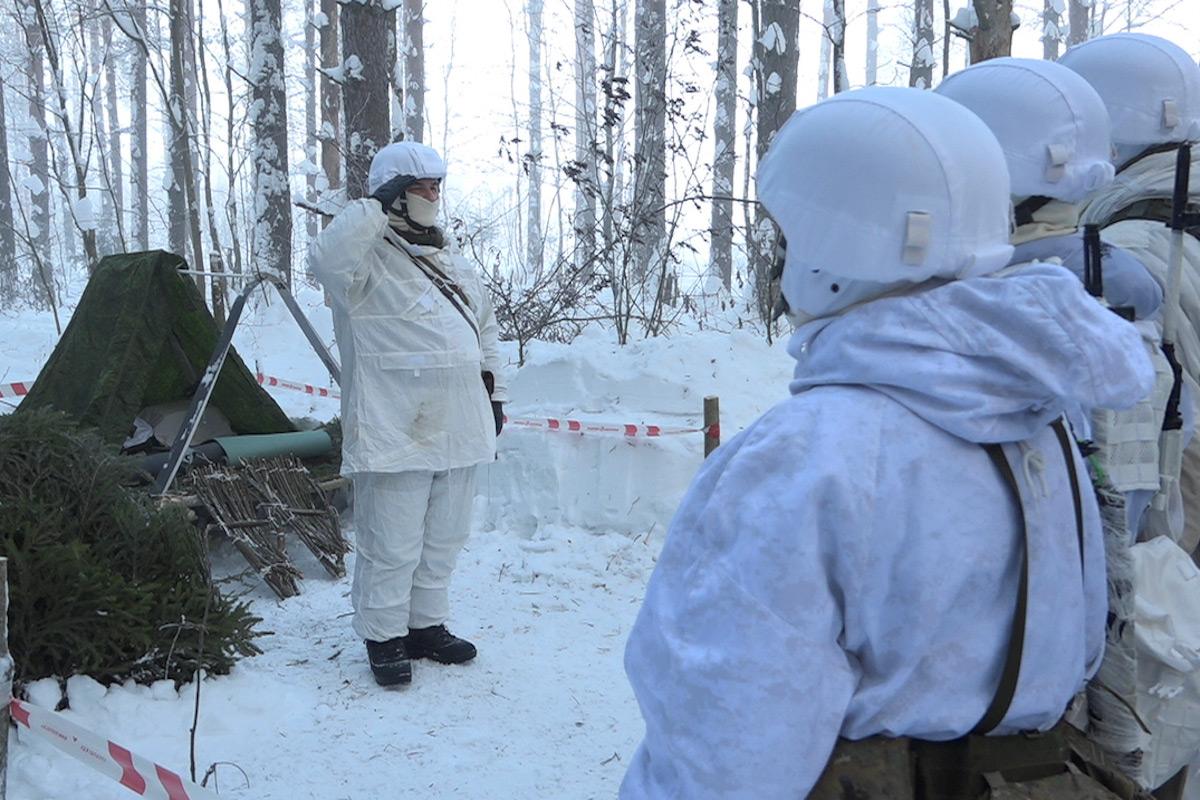 Кадры учений снайперов ЗВО в экстремальных условиях