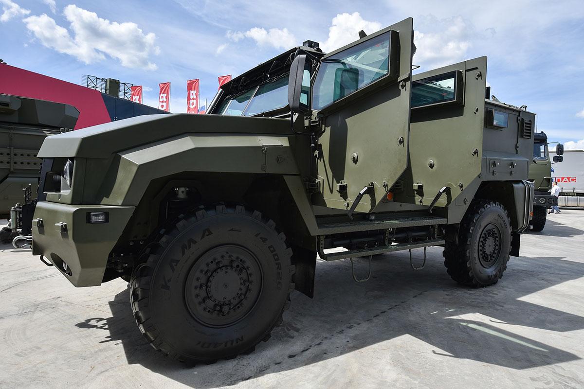 Брутальные броневики: самые защищённые машины на «Армии – 2019»