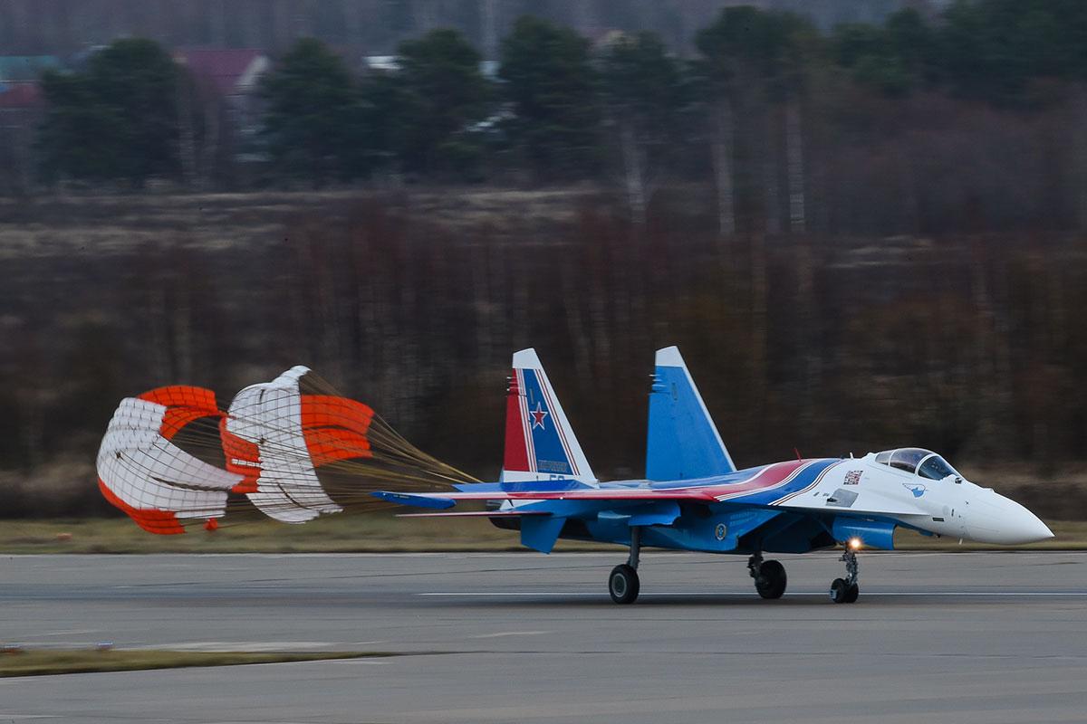 «Русские Витязи» получили новейшие Су-35: фоторепортаж