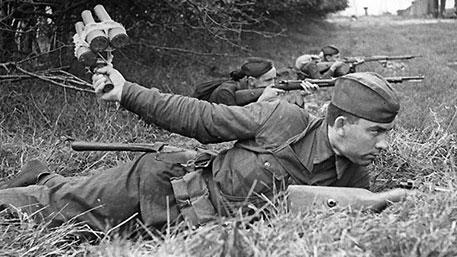 Одна винтовка на двоих и с шашками на танки: самые безумные мифы о Красной Армии 1941 года