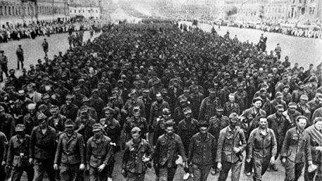 57 тысяч гитлеровцев шагают по Москве: рассекречен доклад Берии Сталину