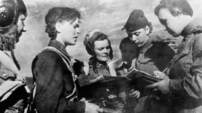 Полет «ночных ведьм»: почему немцы в панике убегали, завидев в небе 17-летних летчиц