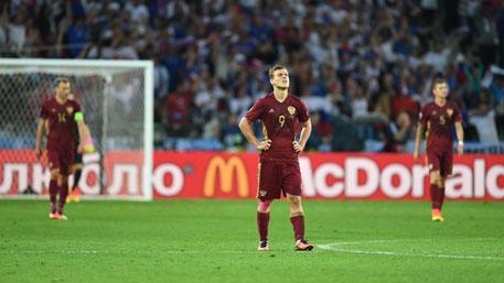 Российских футболистов призвали ответить за результаты на Евро-2016