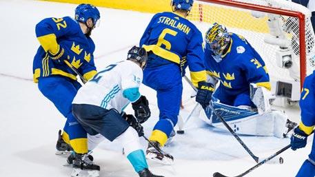Сборная Европы обыграла Швецию и вышла в финал Кубка мира по хоккею