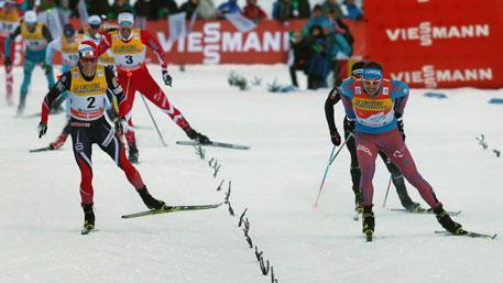 Устюгов выиграл третью гонку подряд на «Тур де Ски»