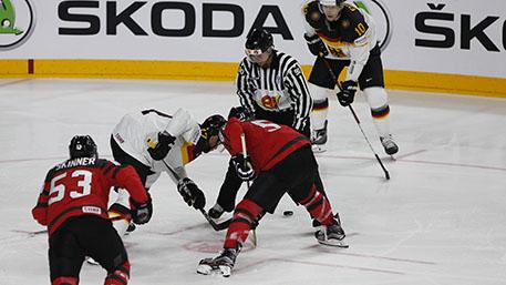 Канада одержала победу над Германией в четвертьфинале ЧМ по хоккею