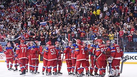 Коленки у российских хоккеистов в случае встречи с канадцами трястись не будут – Наместников