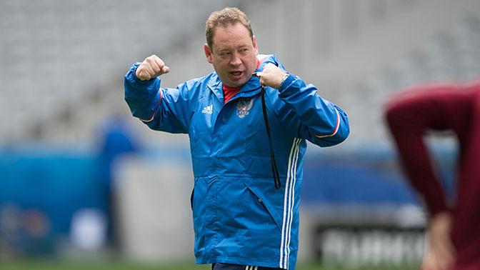 Босс клуба «Витесс» поведал, что уСлуцкого были предложения от иных команд