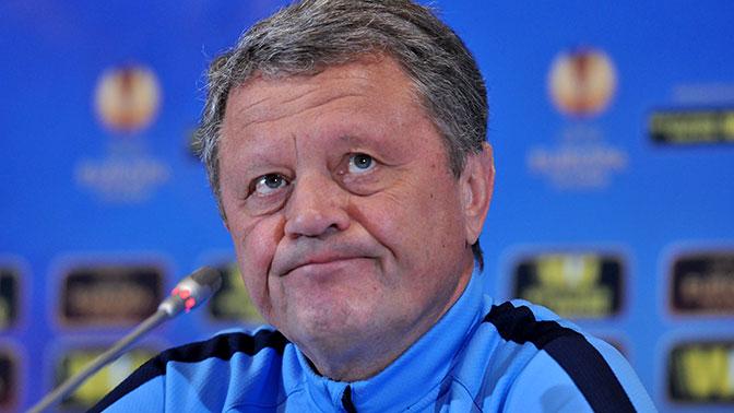 Не смотрел, но осуждаю: украинский тренер раскритиковал игру сборной России
