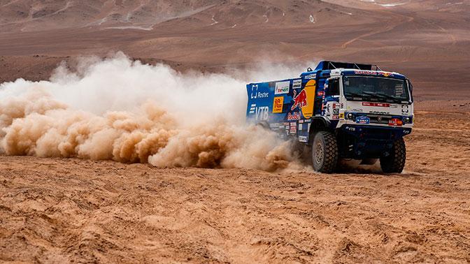 Экипаж «КАМАЗ-мастер» Николаева победил на пятом этапе «Дакара»