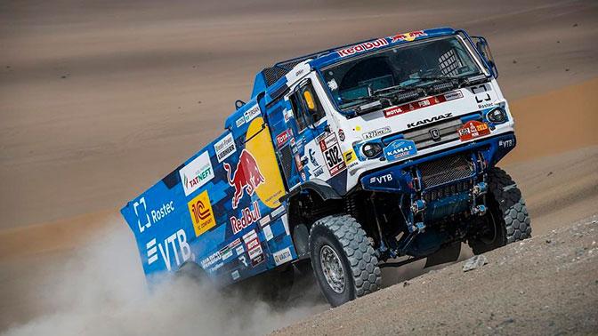 Экипаж «КАМАЗ-Мастер» снялся с «Дакара» из-за проблем с грузовиком