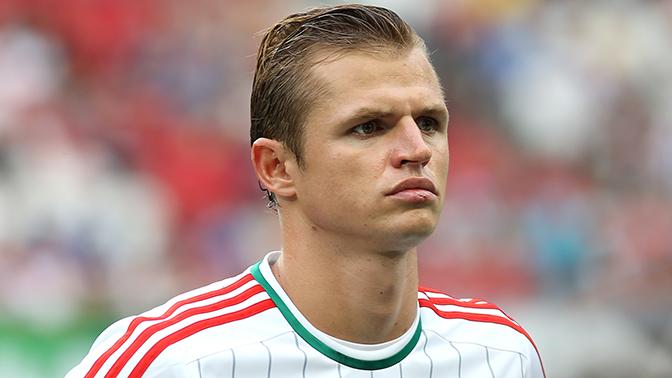 Футболиста Тарасова задержали в аэропорту