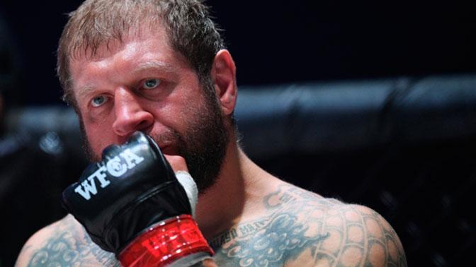 Александр Емельяненко проведет бой с тяжеловесом из UFC
