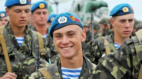 Десантники-пацифисты уволились из Днепропетровской дивизии