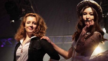 Дочери Порошенко развлекаются в Англии, пока Украина голодает
