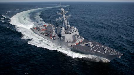 Американский эсминец направляется к берегам Крыма