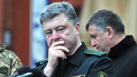 Львов требует от Порошенко признать Крым и Донбасс частью России